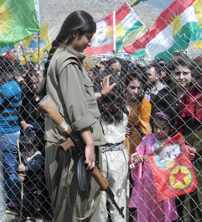 Kurdish_PKK_guerilla